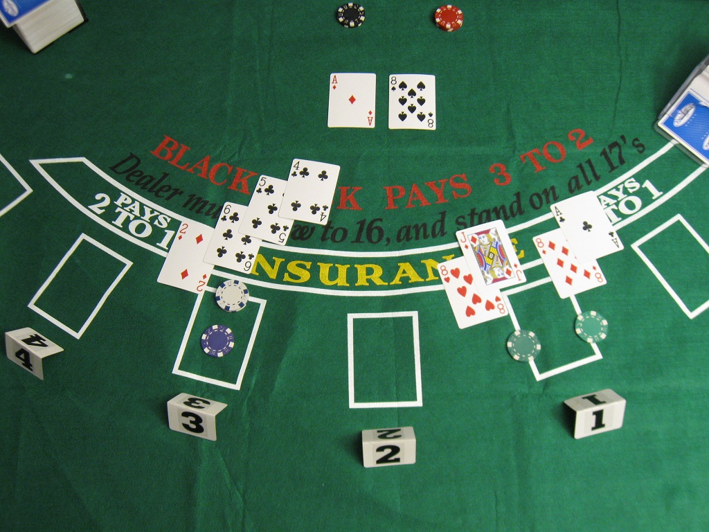Do not misjudge and make these mistakes while playing online poker