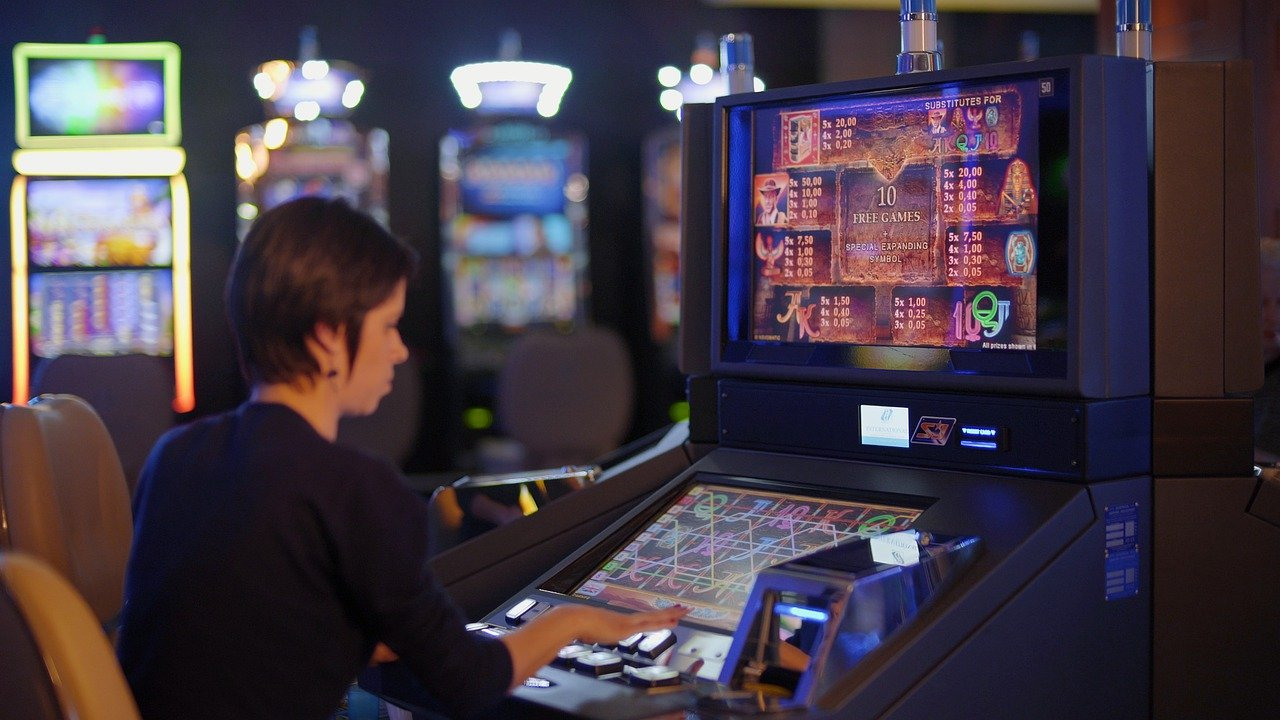 """5 Tips to Increase the """"Lucky"""" in Slots"""