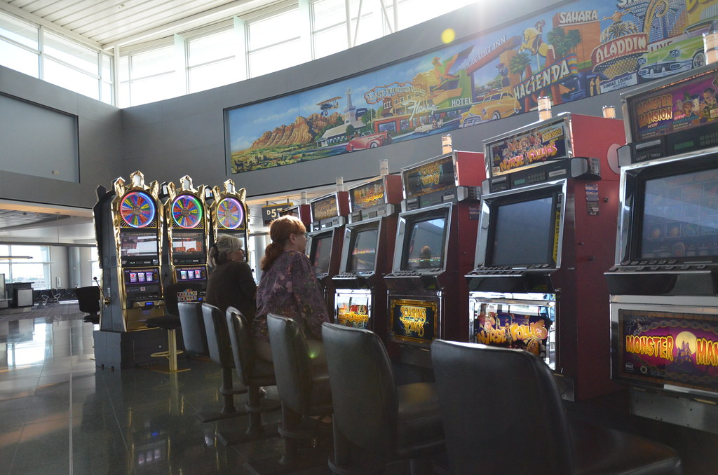 Why Slot Games Are Much Popular In Online Gaming Sites?